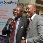 Il presidente del Gor Mahia FC, Ambrose Rachier e Ronald Karauri, CEO SportPesa