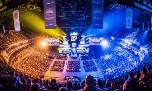 Un'arena di gioco eSports