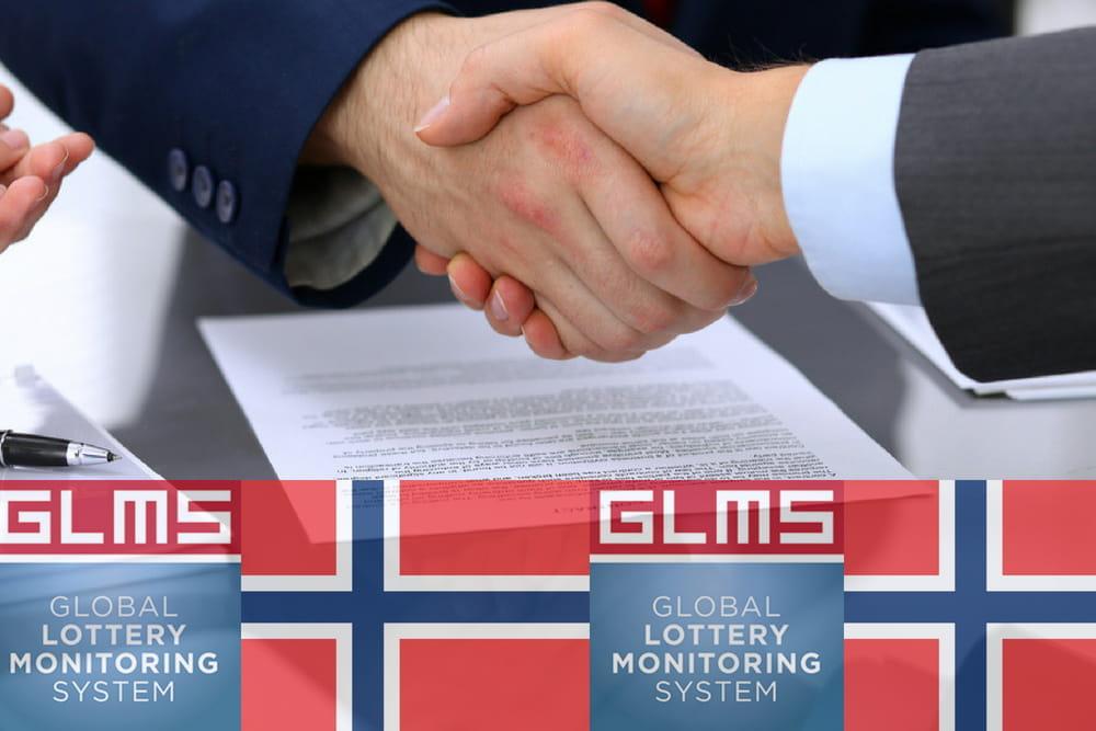 Una stretta di mano e un documento scritto. In basso la bandiera della Norvegia e il logo della GLMS