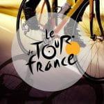 Un ciclista in gara e il logo del Tour de France