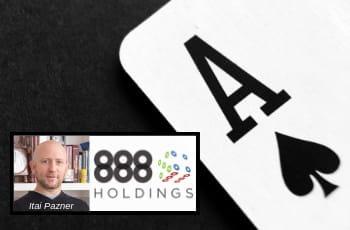Un asso di picche, la foto di Itai Pazner e il logo 888 Holdings