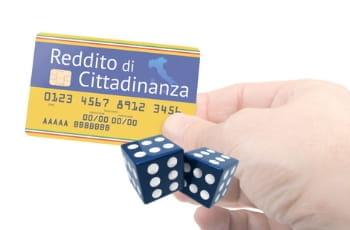 Tessera reddito di cittadinanza, dadi gioco d'azzardo
