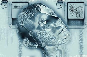 Il volto di un androide con in rilievo circuiti stampati