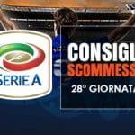Il logo della Serie A, uno stadio affollato con un calciatore che vi sta entrando e la scritta Consigli scommesse 28° giornata