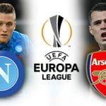 Piotr Zielinski e il logo del Napoli, Granit Xhaka e il logo dell'Arsenal e il logo dell'Europa League