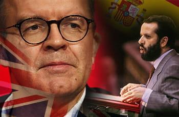 Il vicepresidente del partito laburista britannico, Tom Watson, e Francisco Fernández Marugán, difensore civico spagnolo, sullo sfondo le bandiere di Spagna e Regno Unito.
