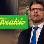 Il sottosegretario Giancarlo Giorgetti e il logo del Totocalcio