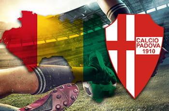 Un calciatore in azione, la bandiera della Guinea e il logo del Padova