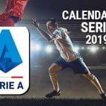 Un calciatore che scatta, il logo della Serie A e la scritta Calendario Serie A 2019/20