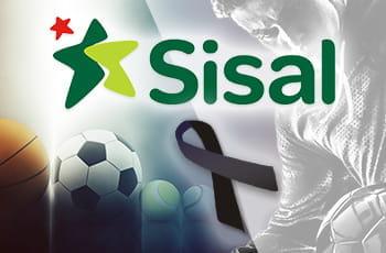 Un calciatore, il logo di Sisal e il nastro nero simbolo del lutto