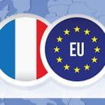 La bandiera della Francia e quella dell'Unione Europea