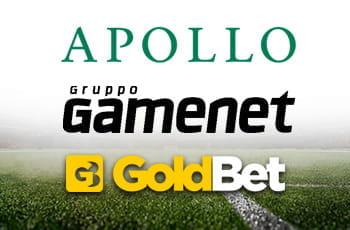 Il logo del fondo di investimento Apollo, il logo del gruppo Gamenet, il logo di GoldBet e un campo da calcio