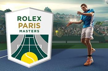 Il logo del torneo di tennis ATP Master 1000 di Parigi-Bercy 2019 e un tennista generico che colpisce una pallina su un campo con la superficie blu