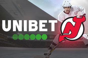 Il logo di Unibet, il logo dei New Jersey Devils, un giocatore di hockey su ghiaccio generico