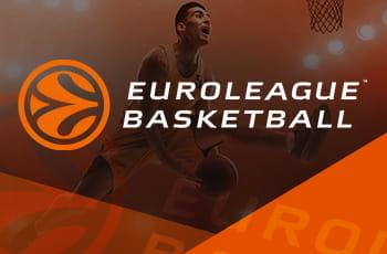 Un giocatore di basket in azione e il logo della Euroleague
