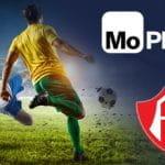 Un calciatore in azione e i loghi di MoPlay e dell'Atlas FC.