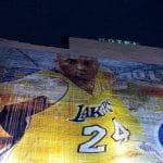 Un murales che raffigura la stella del basket NBA, Kobe Bryant