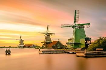 Alcuni mulini a vento in Olanda