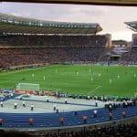 Uno stadio durante una partita di calcio