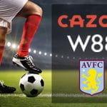 Un calciatore e i loghi di Cazoo, W88 e Aston Villa