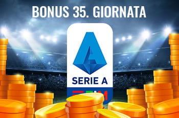 """Il logo della Serie A 2029-2020, delle monete d'oro su un campo da calcio e la scritta """"Bonus 35. giornata"""""""