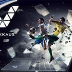 Il logo di Veikkaus e alcuni calciatori in azione