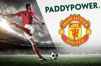 I loghi di Paddy Power e Manchester United e un calciatore al tiro