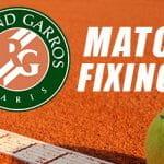 Il logo del Roland Garros, una pallina da tennis e la scritta