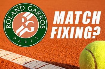 """Il logo del Roland Garros, una pallina da tennis e la scritta """"Match fixing?"""""""