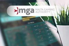 Il logo della Malta Gaming Authority e la schermata di un bookmaker online