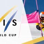 Il logo della Coppa del Mondo di sci alpino e uno sciatore in azione