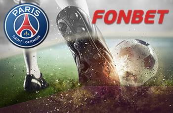 I loghi di Fonbet e Paris Saint-Germain e un calciatore al tiro