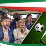 Ragazzi e ragazze esultano, un pallone, uno smartphone e la bandiera italiana