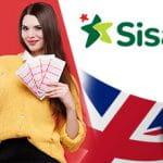 Il logo di Sisal, la bandiera del Regno Unito e una ragazza con delle cartelle della tombola