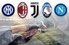 I loghi di Inter, Milan, Juventus, Atalanta e Napoli e due calciatori a contrasto