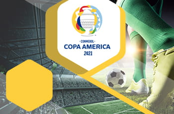 Il logo della Copa America 2021, i piedi di un calciatore generico e uno stadio di calcio