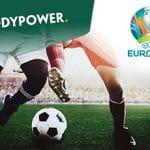 I loghi di Paddy Power, degli Europei di calcio e dei calciatori a contrasto
