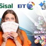 I loghi di Sisal e BT, e una ragazza con in mano delle cartelle della lotteria