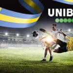 Giocatori di calcio con logo Unibet e bandiera della Svezia.