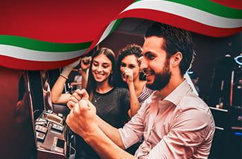 Ragazzi che scommettono, bandiera italiana.